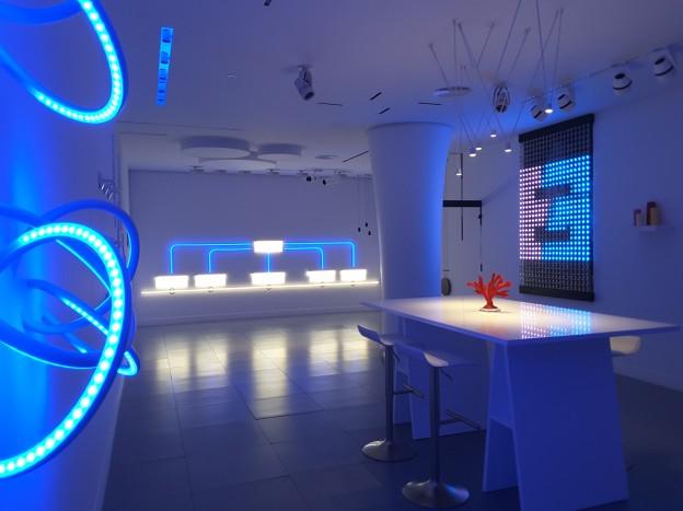 Gran asistencia a la inauguración del showroom de Electricidad Guerra en Madrid