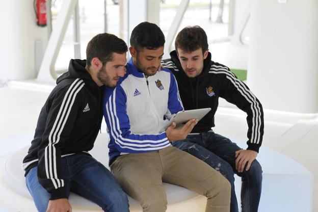 Tres jugadores de la Real Sociedad visitan Lifeevolution