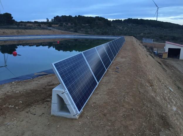 Elektra Catalunya Lleida ha suministrado el material para una instalación solar en una granja
