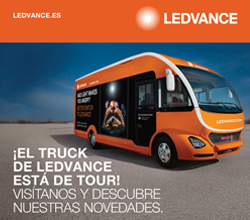 Fotografía del camión Ledvance en color naranja
